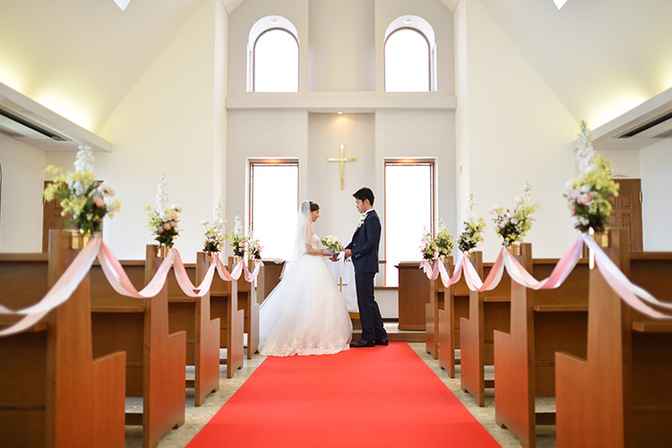 佇立於大自然的天空飯店內舉辦令人嚮往的渡假風婚禮。壯麗景色與浪漫氛圍環繞之下的浪漫儀式。